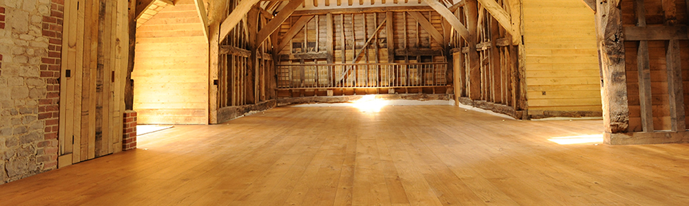 Cathedral-Flooring-in-Hampshire-Oak-Barn